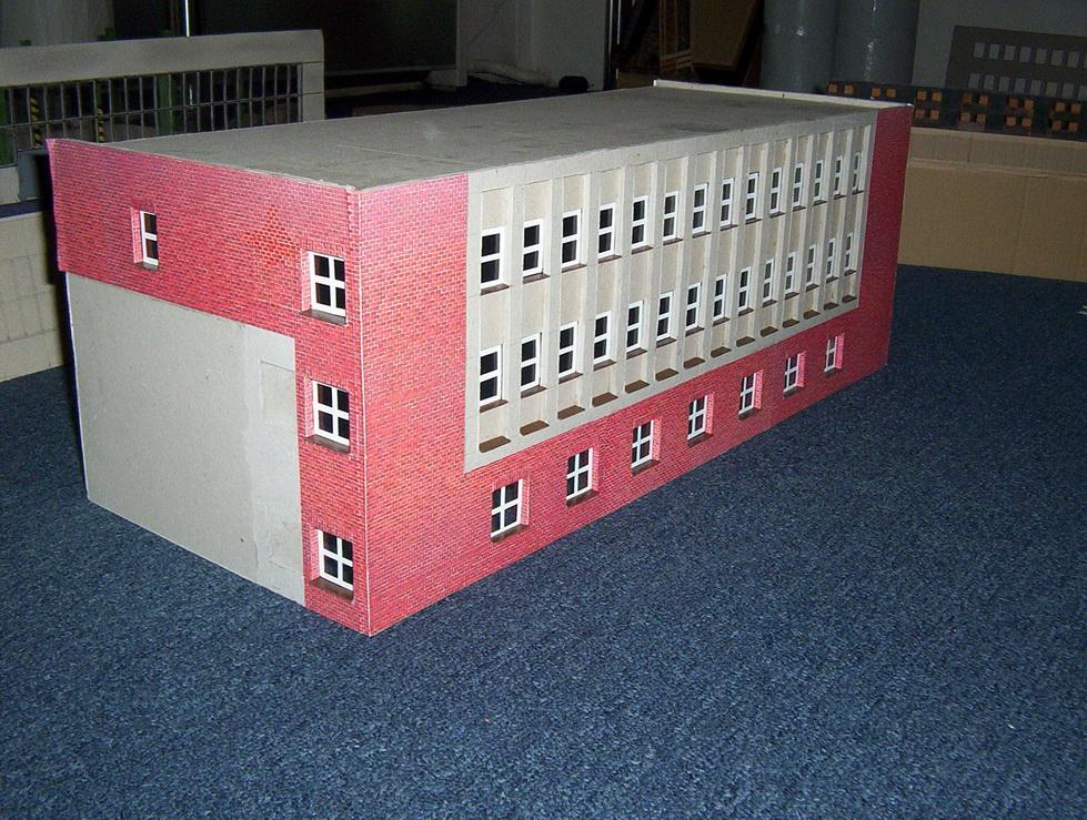 stavba-budovy-reditelstvi-zavodu-petr-bezruc-zari-2010