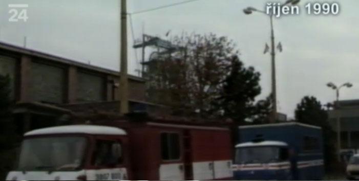 Dobové televizní záběry ze zásahu záchranářů
