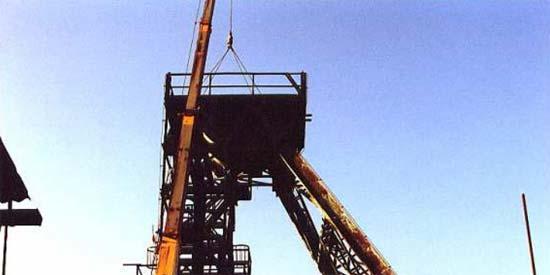 Demontáž těžní věže Nové jámy (foto: J. Grygárek)